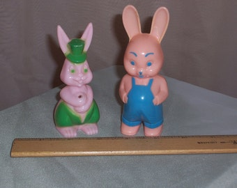 TWO Vintage 1940s 1950s Celluloid Plastic Easter Bunnys Toy Rabbits Knickerbocker Collectable
