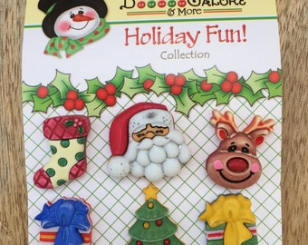 "Holiday Buttons, ""Here Comes Santa"", Novelty Buttons by Buttons Galore, Holiday Fun Collection Set of 6, Tree, Stock, Santa, Reindeer & More"