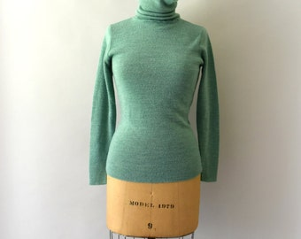 1970s Vintage Sweater - 70s Light Green Turtleneck Sweater