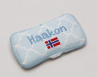 Personalized Wipes Case - Blue Quatrefoil
