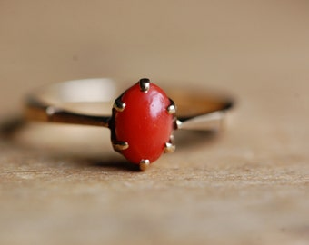 Vintage 1970s 10K coral claw set ring