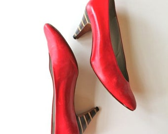 vintage red leather shoes- SESTO MEUCCI lip stick red high heels  / sz 9