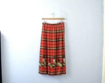 Vintage 80's red plaid skirt with ducks, pleated skirt, size 8 medium