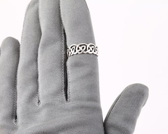 CELTIC RING, Sterling Silver, Celtic Knot, 925, Promise Ring, Band, Infinity Jewelry, Size 7.75