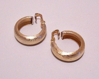 Napier Brushed Hoops Clip On Earrings Gold Tone Vintage Large Round Curved Wide Band Open 1960s Dangles