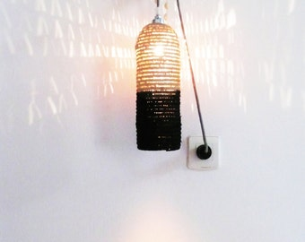 Natural raffia lamp with textile cable, switch and plug - black