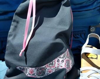 NEW ITEM--Women's Vintage Print Applique Travel Shoe Bag Slate Gray