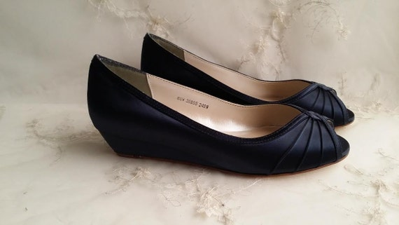 navy wedding shoes navy blue bridal shoes navy blue wedges