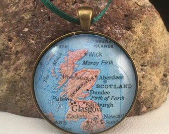 Scotland Map Christmas Ornament, Keep a memory Alive / HONEYMOON Gift / Wedding Map Gift / Travel Tree Ornament / Corporate gift