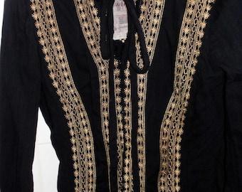 Vintage Johnny Was brand 3J Workshop Fitted Tunic Blouse Embroidered Retro BOHO Black Gold + hint of Lilac & White MOP Pearl Buttons