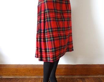 1980s Wool Kilt - plaid pleated a-line wrap skirt - classic vintage fashion - size L