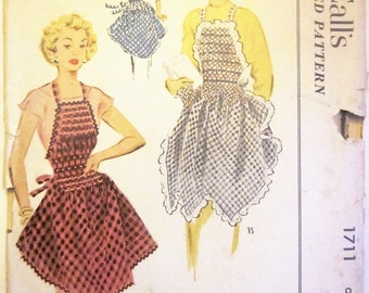 McCalls 1711 Women's 50s Smocked Apron Sewing Pattern