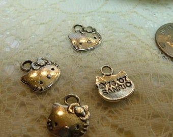 4-Tibetan Silver Hello Kitty Pendant Charms
