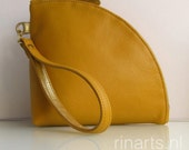Leather wristlet. Leather Q-bag clutch.  Leather zipper pouch in yellow full grain Italian cow leather. Yellow evening clutch. Bag organizer