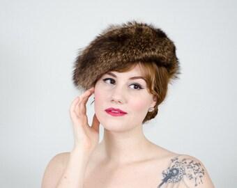 vintage fur hat / raccoon hat / Saks Fifth Avenue newsboy slouch hat