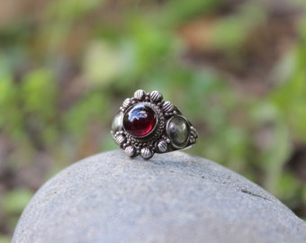 Vintage Garnet Sterling Silver Ring Size 5