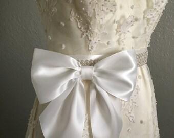 Diamond White Bow on Pin Back, Large Dress Bow on Pin Back, Dress Bow, Girls Dress Bow, Flower Girl Dress Bow, Communion Dress Bow