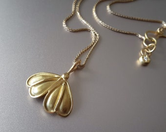 Ginkgo Pendant in 18k Solid Gold . Gold Gingko Necklace . Bridal Jewelry . Handcrafted Ginkgo Leaf . Fine Jewelry . Organic Gold Pendant
