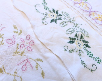 Embroidered Florals Pillowcase Set 3