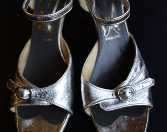 Freed's of London ballroom dance shoes silver metallic leather ankle strap salsa tango leather soles size 5.5 UK / size 7.5 US / Eur size 38