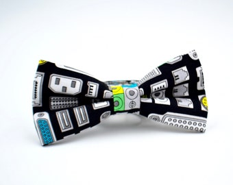 Mens Bowtie, Computer Ports on Black, Geek Gifts, Nerd Gifts, Adjustable Bow Tie, Pre Tied Bow Tie, Computer Geek Gifts