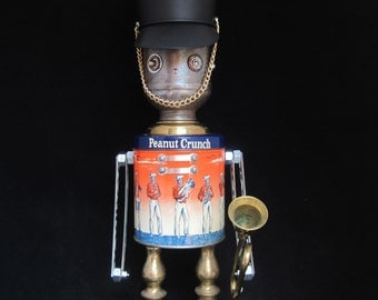 Music Man Bot - found object robot sculpture assemblage by Cheri Kudja with Bitti Bots