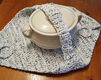 Crocheted Casserole Carrier