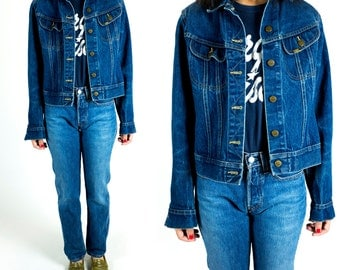 Vintage 1970s or 1980s Lee Dark Denim Wash Cropped Boxy Fit Jean Jacket Size S Small M Medium