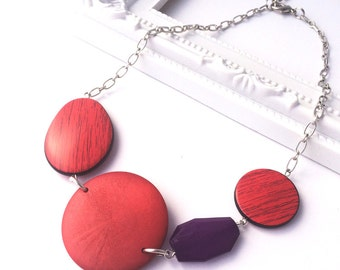 Red Chunky Necklace - Chunky Wood Necklace - Red Necklace - Red Statement Necklace - Faceted Bead Necklace - Big Bold Necklace - Purple Bead