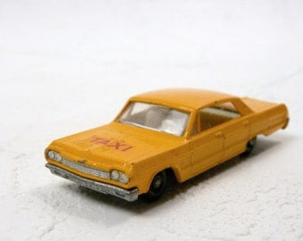 Yellow Taxi / Chevrolet Impalla Taxi / Vintage Matchbox Car / Toy Chevy Car /  Toy Taxi / Series no. 20 by Lesney