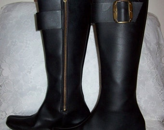 Vintage 1960s Ladies Black Lined Knee High Snow Boots size 4 Only 10 USD