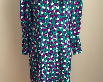"Vintage 1970s 80s Misses' Green, Fuchsia, and White Leaf Print Dress 36"" Bust M L"
