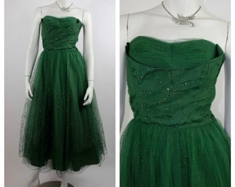 Vintage 1950's Prom Dress // Emerald Green Tulle Cupcake Dress // Strapless Party Dress with Shelf Bust & Layered Tulle // Size XS to S