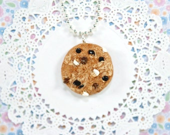 Chocolate Chip Cookie Necklaces- Sweet Lolita- Fairy Kei- Kawaii- Women Accessories-Jewelry-Food Necklaces-Chocolate chip-Polymer Clay