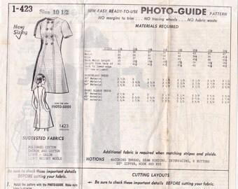 Cute 1960s Summer Dress Pattern 1-423 Size 10 1/2