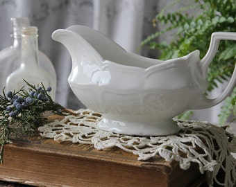 Heirloom by J & G Meakin Gravy Boat White Ironstone Cottage, Farmhouse