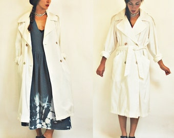 1980s White Lightweight Spring / Summer Trench Coat