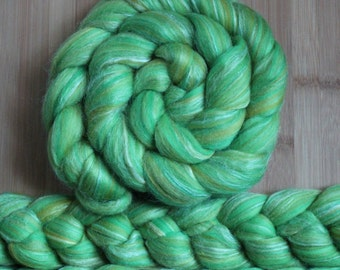 "Merino Silk 'GLISTEN Roving' in ""Irish Moss"" colorway - Lime green, shamrock, white blend - Spinning Felting Braid Fiber"