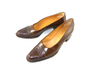 Vintage Ralph Lauren low heel brown leather pumps - Italy made, cocoa / chocolate 5.5 M reptile cap toe career shoes