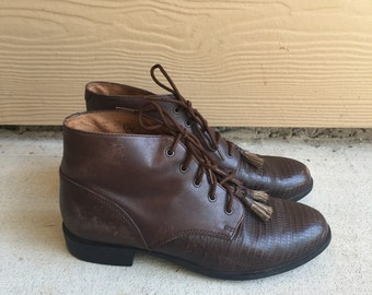 Gorgeous Vintage Ariat Brown Leather Lace Up Oxford Ankle Boot // Women's size 8