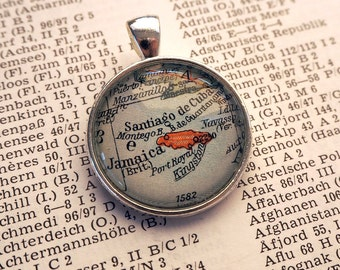 NECKLACE or KEYCHAIN, the Caribbean, JAMAICA, Map-Pendant, Cabochon, Glass, Atlas, Vintage, Jewlery