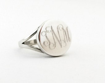 Bridesmaid Gift Monogram Ring Sterling Silver Round Personalized Custom Signet Ring for Women or Bridesmaid Ring Present Round