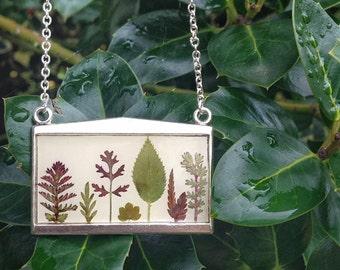 Terrarium necklace, unique necklace for women, resin jewelry, nature necklace terrarium, leaf necklace, nature necklace, nature inspired