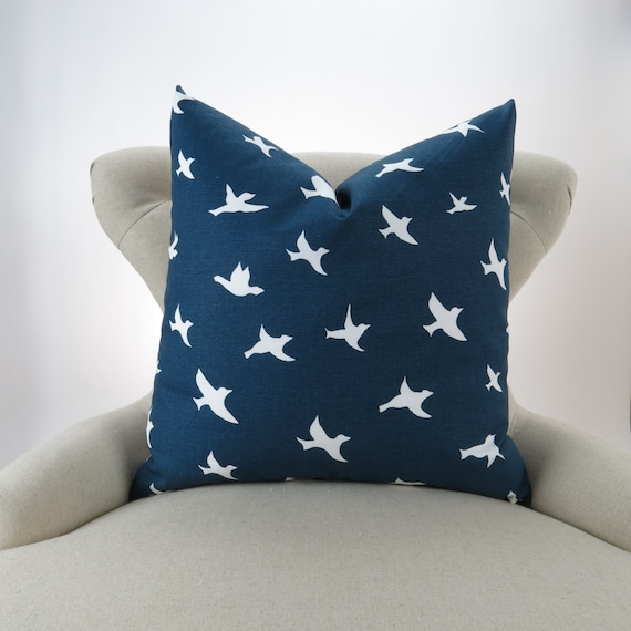 navy birds pillow cover euro sham cushion cover navy blue. Black Bedroom Furniture Sets. Home Design Ideas