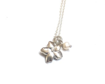 Forget-Me-Not Pendant (Silver)