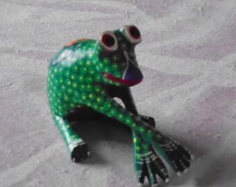 Vintage Mexican Oaxacan Frog by Folk Artist Roberta Angeles