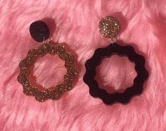 mini squiggle hoops gold and black glitter
