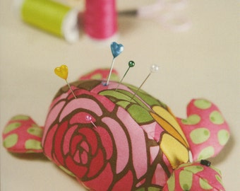 Turtle Pincushion Pattern by Taylor Made Designs (LB505)