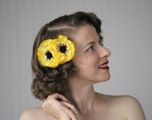 "Golden Hair Clip Flower, Yellow Floral Fascinator, Mustard Hair Accessory, Fall Headpiece Gold Hair Piece Vintage 1950s - ""Sunbeam's Sonnet"""