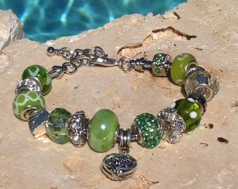 Green bracelet, Spring green bracelet, Light green charm bracelet, Spring green rhinestone, lampwork and crystal bracelet
